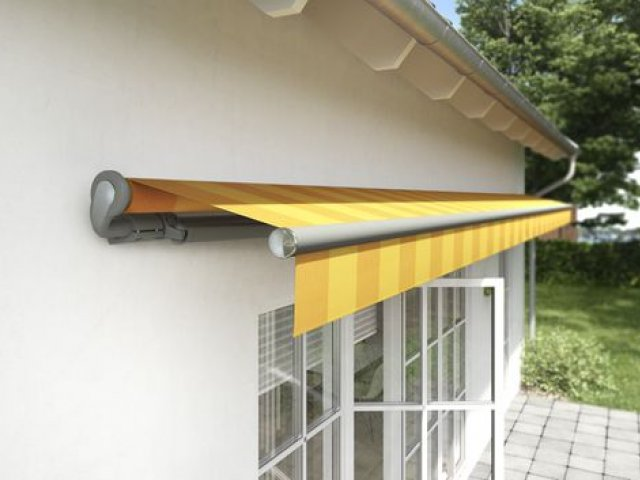 markilux 1700 Semi-Cassette Awning