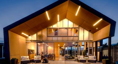 Metro Series in a Technically Challenging Northland Beach House