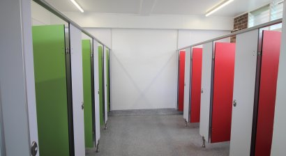 KerMac Provides Colourful Partitions for School Bathroom Renovation