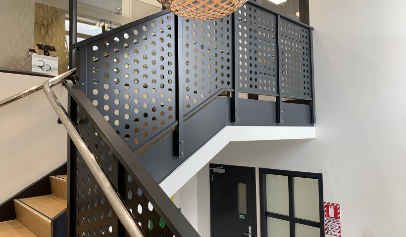 Clearspan Ali Sheet Balustrade Provides Effective Privacy Solution
